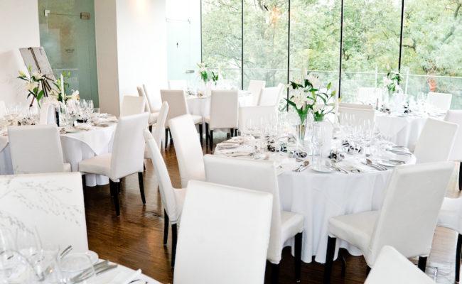 Den Hochzeitssaal dekorieren: 10 Tipps für die Deko der Location