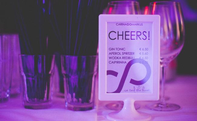 Getränke auf der Hochzeit richtig planen: Tipps zu Kosten und Menge