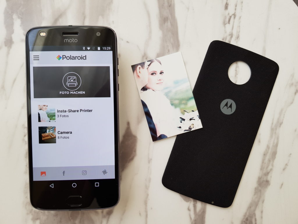 Moto Z2 Play mit dem Insta-Share Printer