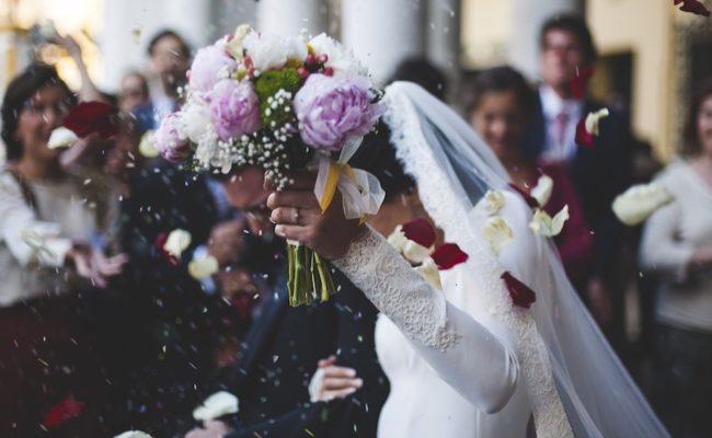 Kirchlich heiraten: Müssen beide in der Kirche sein?
