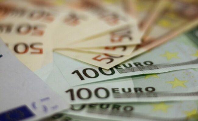 Geld sparen: So viel solltest du monatlich sparen